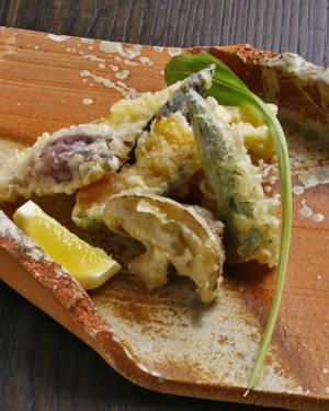 朝採り地野菜の天ぷら盛合せ